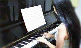 超值成人钢琴/吉它零基础体验课!30分学会一首歌