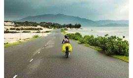 间隔年,一场自行车车轮上的四国之行 | VIVA 大家说