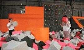 4.21:蹦床趴,包场顺义超人空间,粘粘墙,碰碰球大战,攀岩海绵池,魔鬼滑道,蜘蛛塔,飞檐走壁,