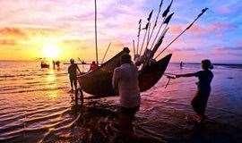 2天游【周末】惠州双月湾露营、畅游广东最长最美海滩、烧烤、出海捕鱼、篝火晚会、挖沙蟹、拾贝