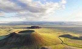 周末 火山草原露营 陪你一起坐在火山脚下数星星