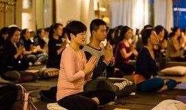 与觉瑜伽创始人田多默老师一起放松身心!