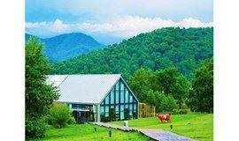 """『休闲』海坨山谷•露营奢野升级 """"瑞士风情小镇""""沁夏强势回归,山谷的夏天从一顶帐篷开始,满足你所有关于夏的美好想象!"""