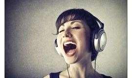 唱爽一夏【零基础成人学唱歌】 声乐课程唱歌五音不全怎么办?